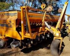 Sembradora Agrometal TX Mega 13 a 52 Doble Fertilizacion