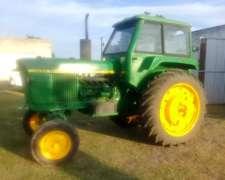 Tractor Jhon Deere 2420 año 1977
