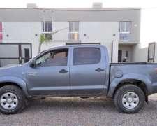 Exc. Estado. km Reales. Vendo Toyota Hilux 3.0 SR 4X4 2010.