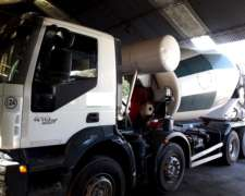 Iveco Trakker 410 8X4 con Mixer