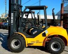 Autoelevador Todo Terreno Samuk 4x4 Diesel Motor Yanmar