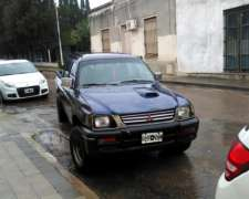 Pick UP Mitsubishi L200 4X4 Modelo 1997
