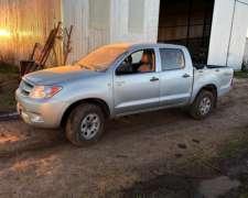 Toyota Hilux DX25 4X4