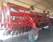 Sembradora Crucianelli Gringa 2335 de 23 a 35 año 2004