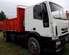 Camion Iveco Attack 220 Modelo 2014