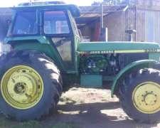 Tractor John Deere 3350, año 1994
