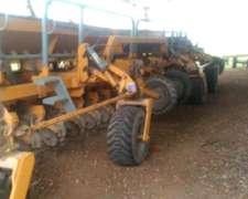 Sembradora Agrometal TX Mega 26/52