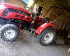 Tractor Hanomag 4 X 4 de 30 HP C/ Desmalezadora de 1,50 Mts