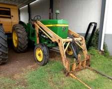 Tractor John Deere 3330 con Pala y Pinche