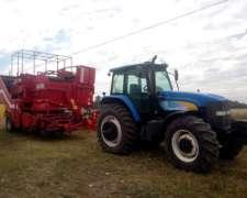 Equipo de Cosecha, Tractor NH TM 7020 y Grimme 170-60