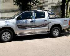 Toyota Hilux L12 DX Pack 2.5 TD D/cabina año 2011