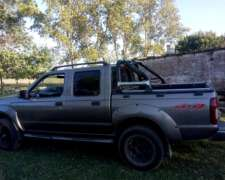 Nissan Frontier Doble Cabina 2004