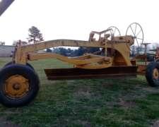 Niveladora Roda Mecánica de 3 Mts, 2 Ejes. Buen Estado