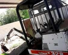 Mini Excavadora Bobcat 328 Con Orugas Y Giro Completo