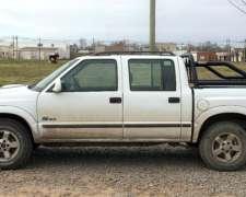Vendo Chevrolet S-10 DLX 2.8 MWM 4X2 Completamente Original