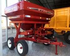 Fertilizadora Syra Capacidad 4000 Lts, Balancín Rodado 17
