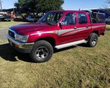 Toyota Hilux 3.0 4X4 MUY Buen Estado