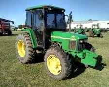 Vendo Tractor John Deere 5705 en Buen Estado con Cabina