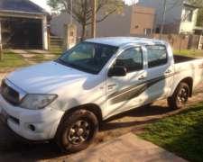 Camioneta Toyota Hilux 4x4 Doble Cabina