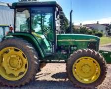 Tractor John Deere 5705
