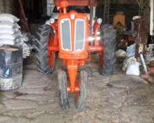 Tractor Fiat 411 R Reparado