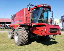 Case IH Axial Flow 8230 - año 2013