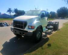 Ford 14000 año 2000 con Motor Cummins Impecable