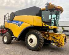 Cosechadora New Holland CR6080 - 35 Pies - año 2015