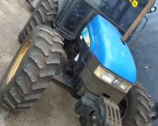 Tractor New Holland TI 95 año 2005, con Levante Tres Puntos