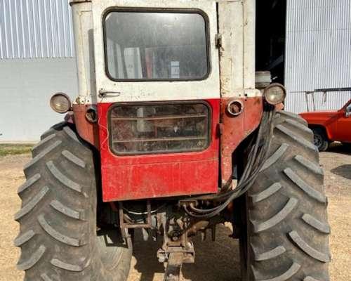 Massey Ferguson 1075 con Pala Frontal