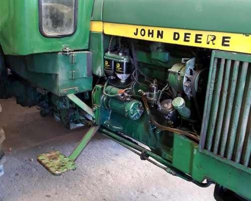 John Deere 2730