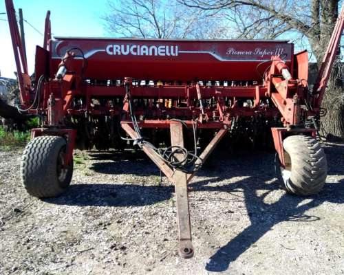 Sembradora Crucianelli 27 Lineas a 17.5cm