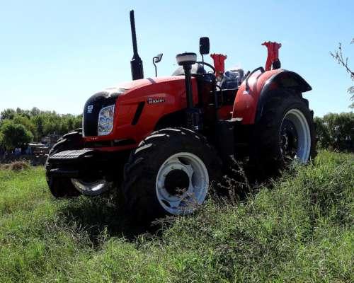 Tractor Someca 804, Tracción 4x4, 80 HP