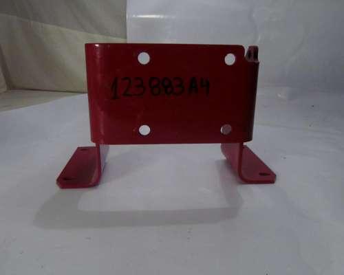 123883a4 - Soporte Valvula Case IH