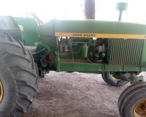 Vendo Tractor John Deere 4530