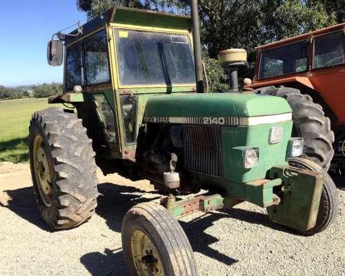 Tractor John Deere 2140 (C)
