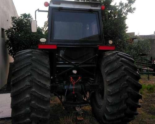 Tractor Massey Ferguson 5140 con 30/5-32