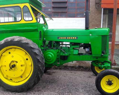 Tractor JD 730 Reacondicionado, Impecable