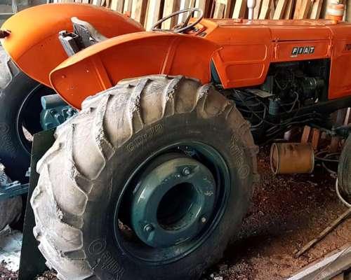 Tractor Fiat 700 e 1979