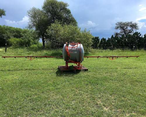 Pulverizadora 400 Lts. 4 a 9 Mts. de Botalon