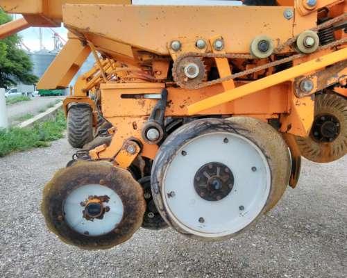 Sembradora Cele de 20 a 52cm con Doble Fertilización, 2012