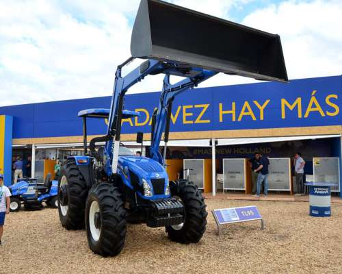 Tractor New Holland TL 95 con Pala