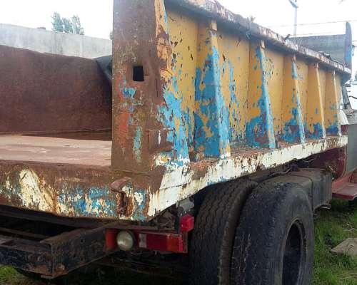 Camión Dodge con Caja Volcadora con Perkins Turbo