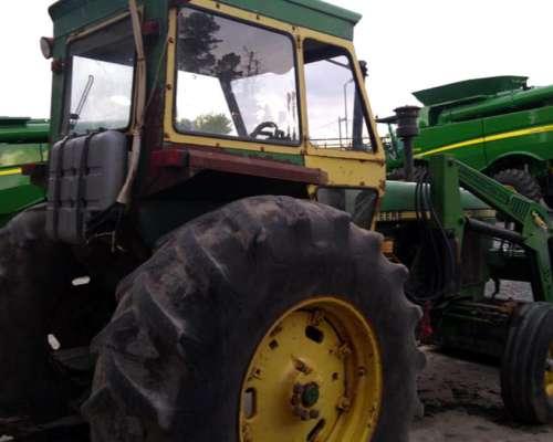 John Deere 3140 con Pala. Motor y Embrague Reparado Completo