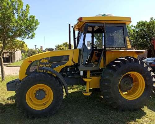Tractor Pauny 230 a 2008