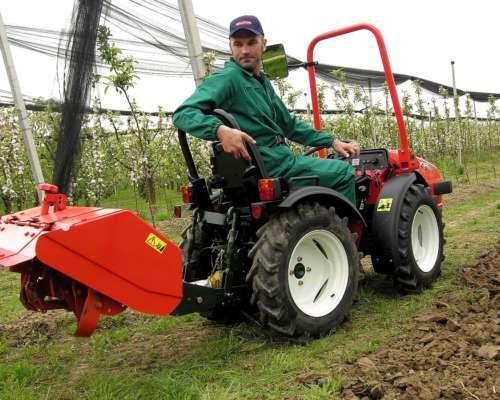 Tractor Hortícola, 4 X 4 para Invernadero