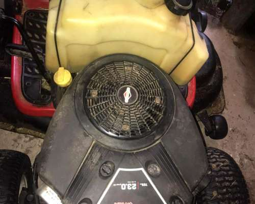 Minitractor Troy Bilt 23 HP