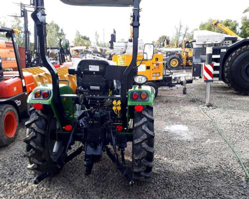 Tractor Parquero 30 HP 4X2 Simple Traccion Tipo Hanomag