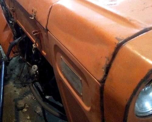 Fiat 400 Viñatero con Levante Hidráulico de Tres Puntos