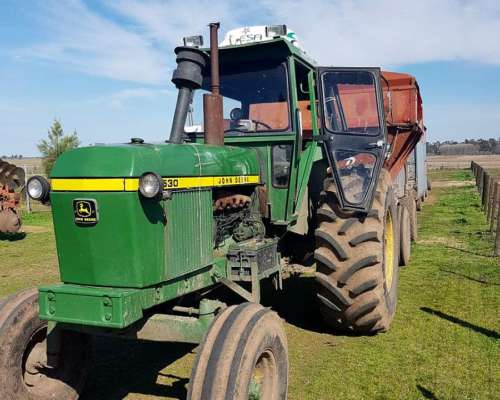 Tractor John Deere 4530 con Climatic 1984